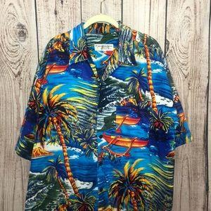 🌕4/$15🌕 Hawaiian Vintage Collection Button Shirt